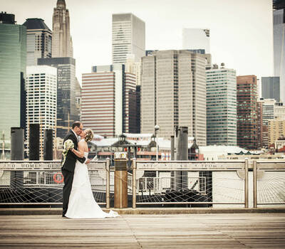 Beispiel: Brautpaar in New York, Foto: About Moments Photography.