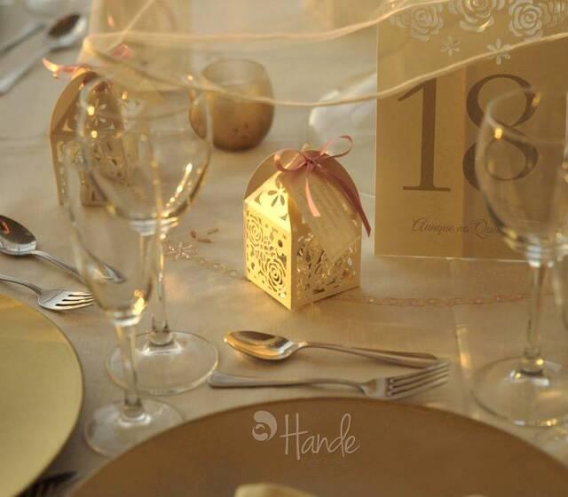 Marca mesas y almendreros personalizados
