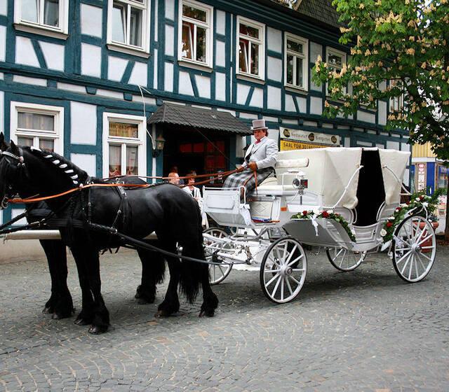 Beispiel: Hochzeitskutschen für Ihre Märchenhochzeit, Foto: Kutschfahrten Frankfurt am Main.