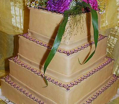 Beispiel: Hochzeitstorte, Foto: Konditorei - Café Merz.