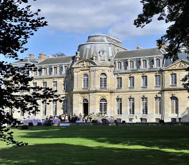 Château de Champlâtreux façade côté parc