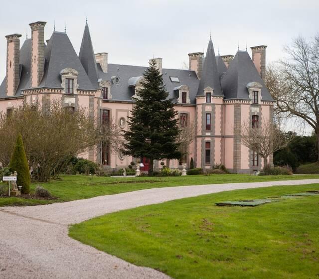 © Château Hôtel Restaurant du Colombier