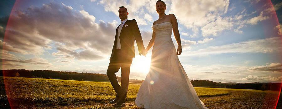 Beispiel: Romantische Hochzeitsfotos, Foto: Hendrik Gassmann Photography.