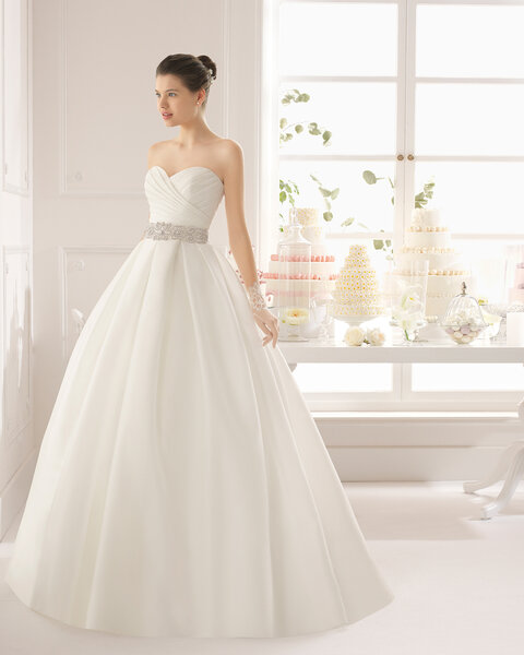 vestido aralia corte princesa con escote corazn