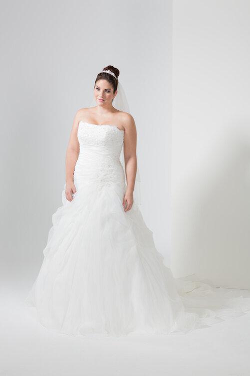 Designer Brautmode für kurvige Frauen: Mery\'s Couture zeigt die ...