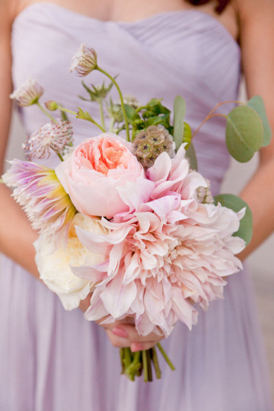 Ramos de novia rosa con diferentes flores