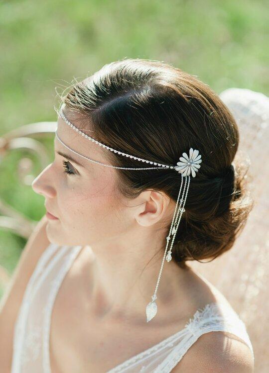 peinados y accesorios con flores para novia. Black Bedroom Furniture Sets. Home Design Ideas
