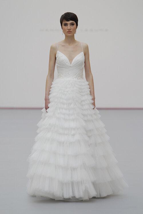Vestidos de noiva Hannibal Laguna 2019. Feminilidade máxima em ...