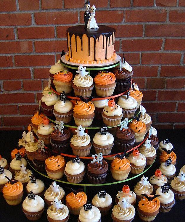 Halloween steht vor der t r das sind unsere deko ideen f r ihre hochzeit - Halloween muffins deko ...
