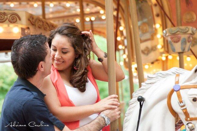 Fotos de ensaio pré-casamento super divertidas e originais. Foto: Adriana Carolina