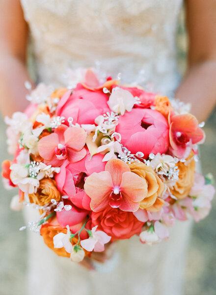 Los 50 ramos de novia m s elegantes para 2015 flores - Fotos ramos de novia ...