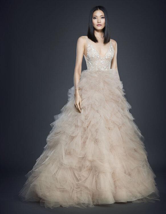 Entdecken Sie Brautkleider von Lazaro 2017: Opulent, romantisch ...