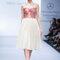 Vestido de novia perfecto para boda civil con escote corazón y corpiño en tonos rojizos - Foto David Salomón en MBFWMX