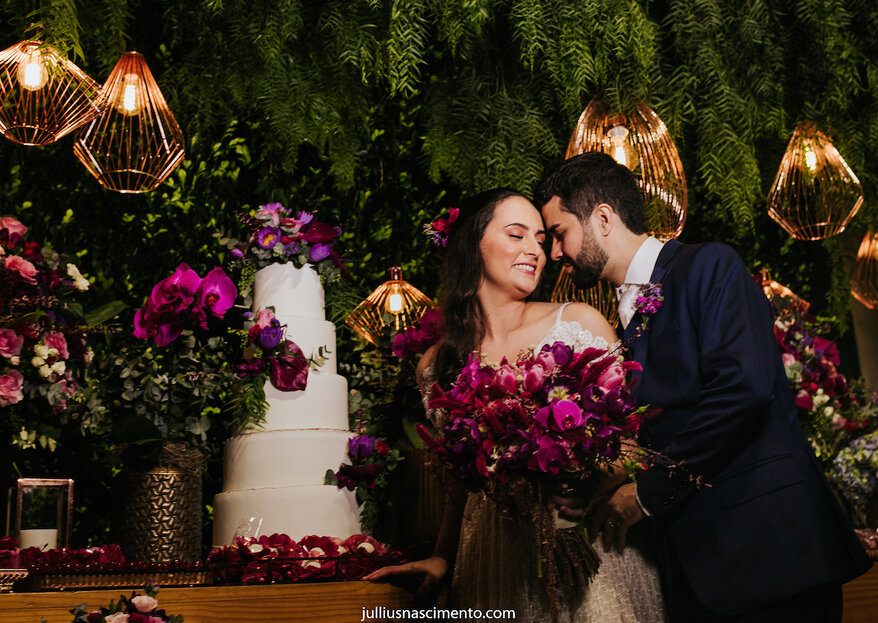 Aline & Pedro: Troca de alianças emocionante com estilo boho-chique e do jeito que os noivos sonhavam