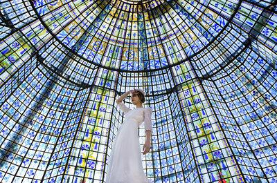 Craquez pour la robe de mariée Frida d'Elise Hameau en exclusivité au Printemps Haussman