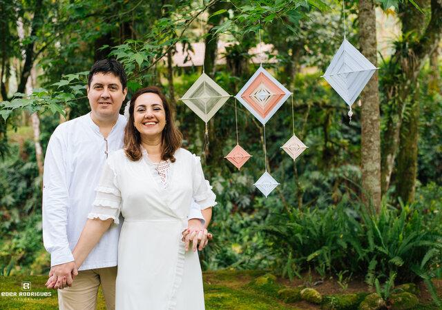 Elopement de Erika & Gustavo: comemorando 10 anos de casados de forma íntima e com muita emoção