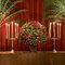Cortina vermelha para complementar a decoração. Foto: Boutique de Três