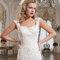 Breite Träger bei Brautkleidern sind ein Must-have.