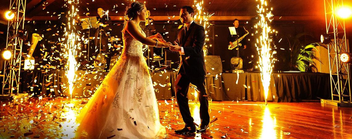 ¿Qué te debería ofrecer un grupo de músicos para tu boda?