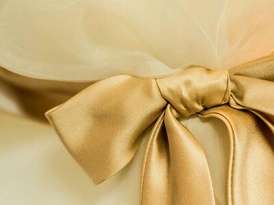 17 vestidos de novia con detalles en dorado ¡elige el tuyo!