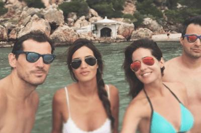 Sara Carbonero en la playa: planazo con la familia y amigos