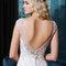 Edles Brautkleid mit V-Ausschnitt am Rücken