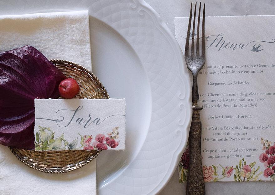Menus de casamento: 7 estilos de ementas criativas & ideias originais