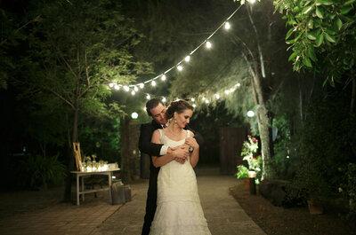 Real Wedding: El ambiente se pinta de color púrpura y toques rústicos en la boda de Fernanda y Jorge