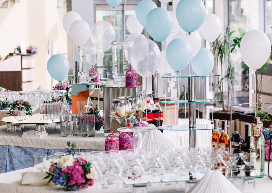 Biała dekoracja sali i stołu weselnego. Niezwykłe piękno w klasycznym wydaniu!