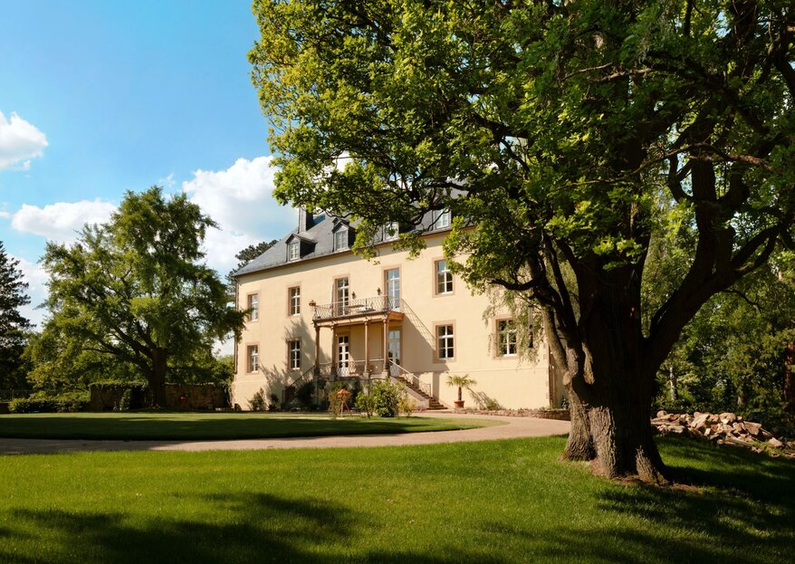 Heiraten im Hotel Brunnenhaus Schloss Landau mit historischem Ambiente, ländlicher Idylle und modernem Charme