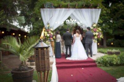 Descubre los encantos de celebrar tu boda fuera de la ciudad. ¡Sencillez y elegancia al natural!