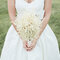 Buquês de noiva diferentes e românticos. Foto: Ulmerstudios