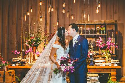 O casamento Boho Chic de Thiara e Lucas: cerimônia no jardim, festa animada e decoração PERFEITA!