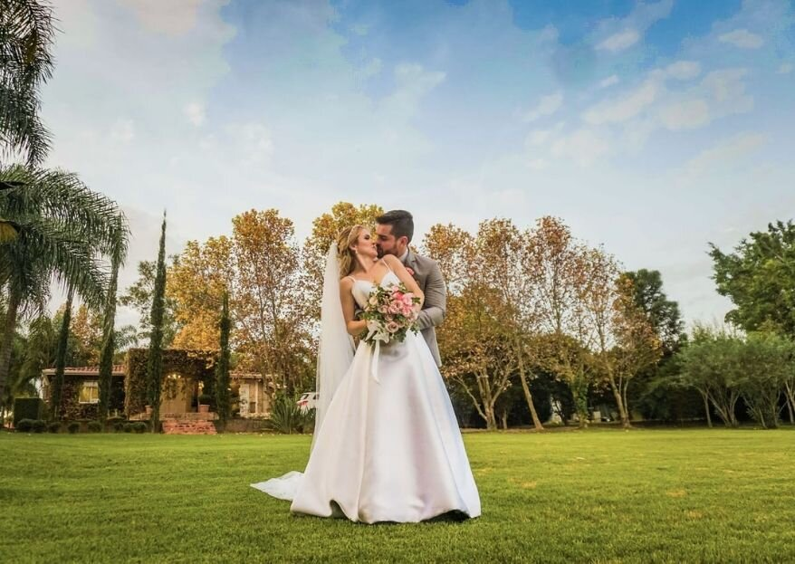 Beatriz & Eduardo: Casamento ao ar livre com ares de Toscana e muita animação