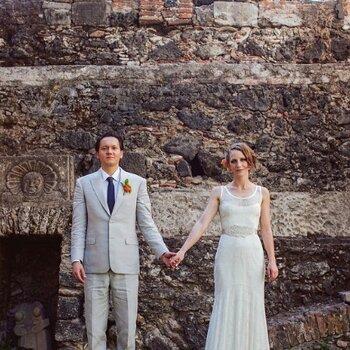 Una colorida boda en un castillo con el encanto de México