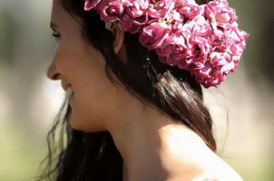 Farbenfrohe Blumenkränze für die Braut