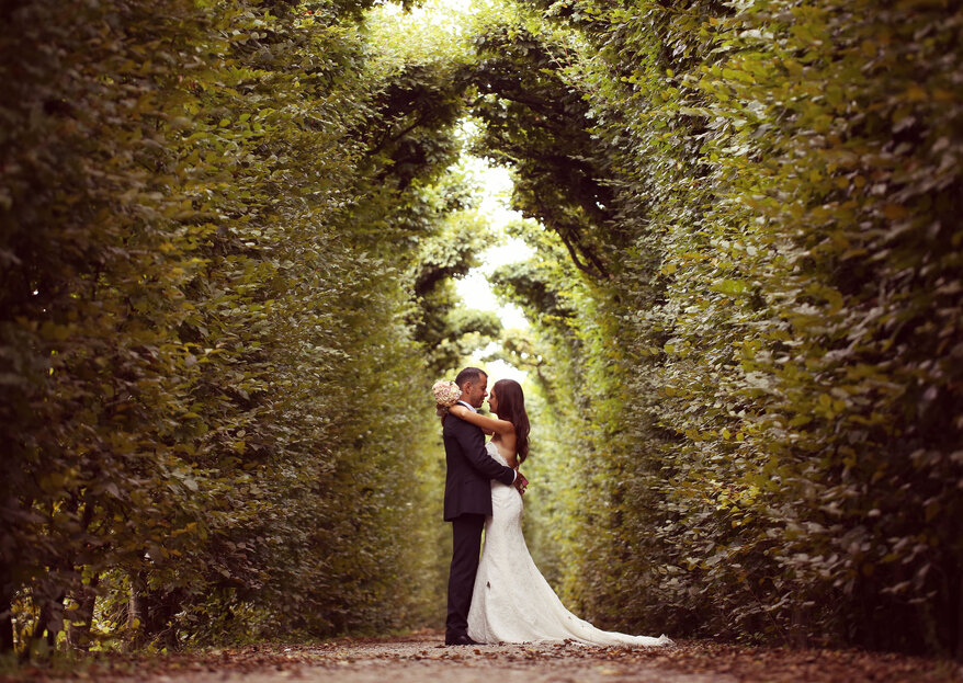 « Un mariage rempli d'émotions, qui leur ressemble et qui marque les esprits, voilà ce que j'organise pour le bonheur de mes mariés » -  Clickenjoy
