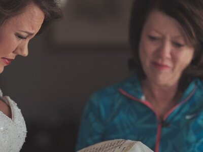 Mom Saves Letter over 20 Years for Daughter's Wedding Gift (Brooke + Tyler)