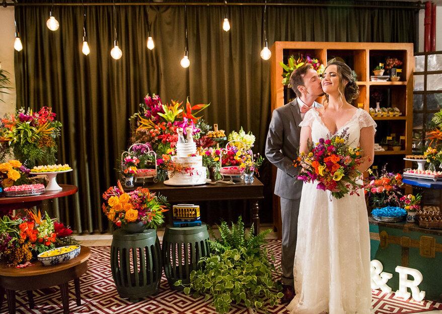 Casamento boho de Carolina & Ricardo: muito alegre, multicolorido e com uma vista incrível da cidade maravilhosa!