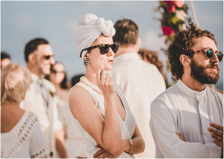 Invitados fumadores en la boda: dale gusto a todos con un cigar corner