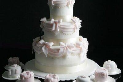 Ponqué de boda con el tema del matrimonio: ¡una delicia de maravilla!