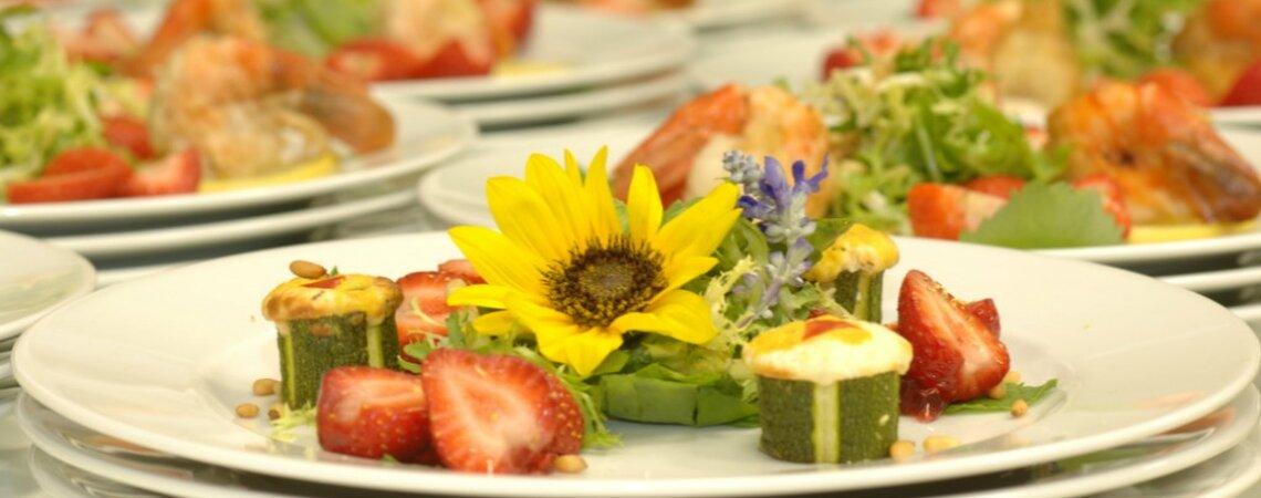 Wie organisiere ich ein vegetarisches Hochzeitsmenü?