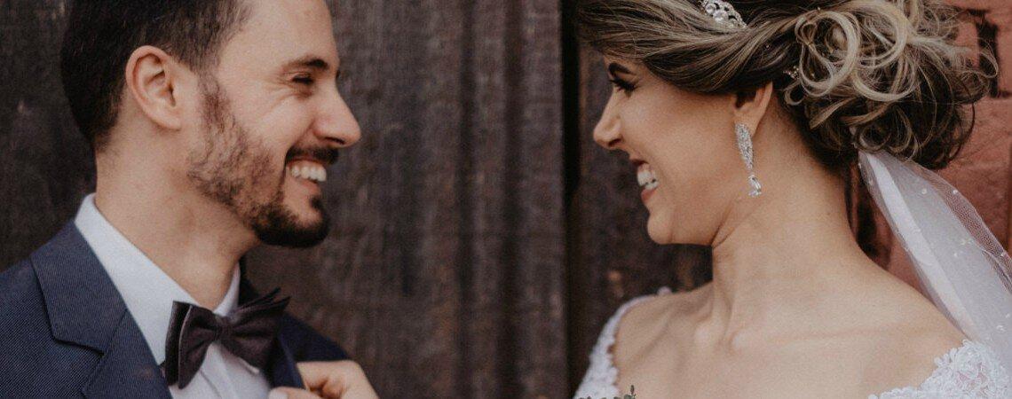 Casamento rústico chic de Taimara & Giovanni: elegância e descontração registradas em fotos belíssimas!