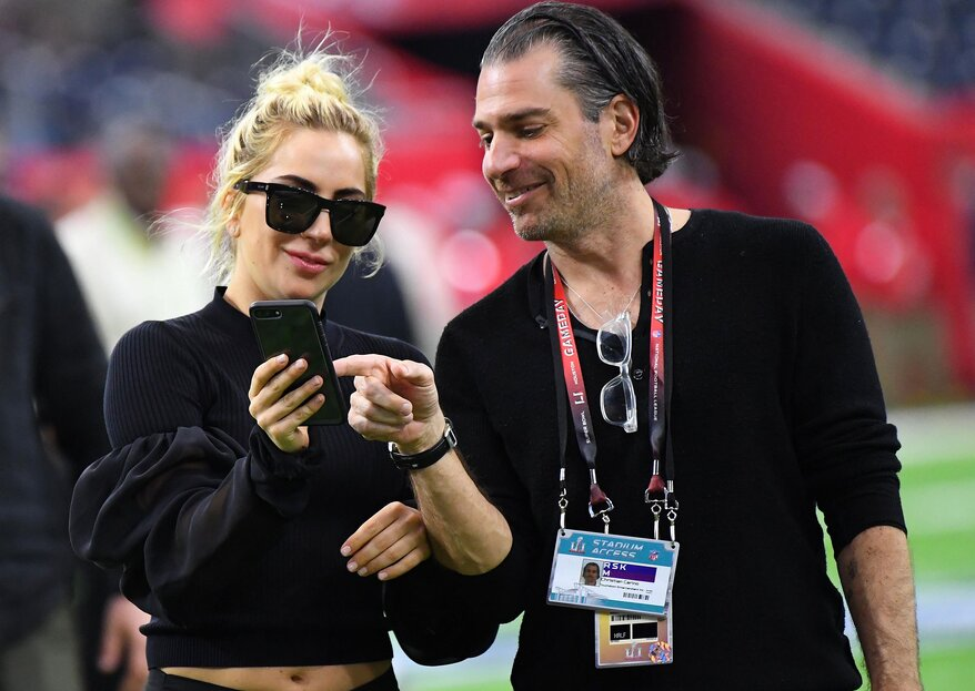 Lady Gaga assume namoro com Christian Carino