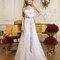 Romantisches Brautkleid in A-Linie mit Taillenband in Rosé.