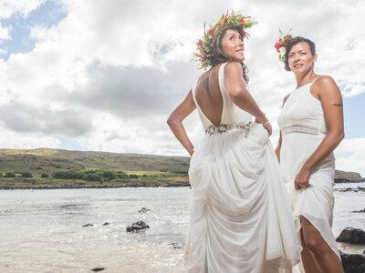 Consuelo y Pabla: una celebración de matrimonio exótica en la Isla de Pascua