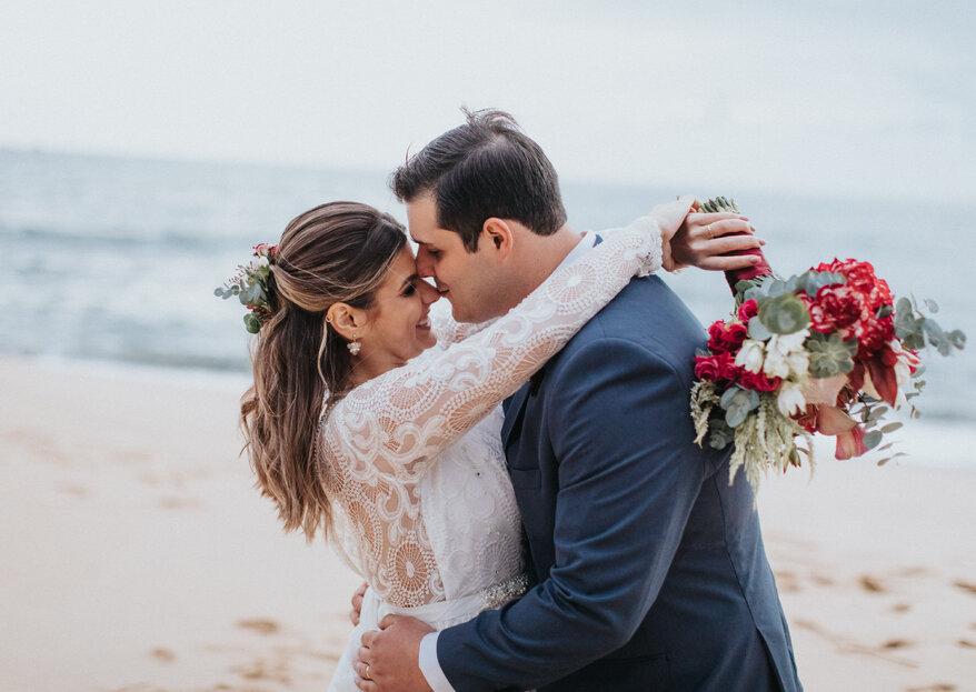 Thais e Giulianno: casamento animado no litoral de São Paulo