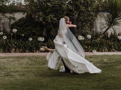 Por qué es tan importante limpiar el vestido de novia después de la boda