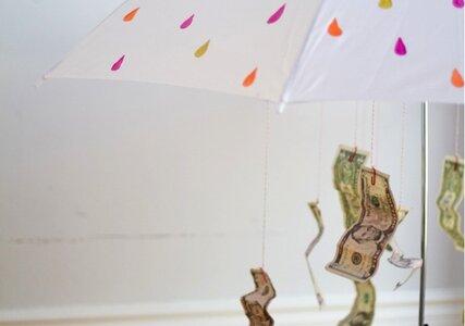 Como dar dinheiro para os noivos de forma original
