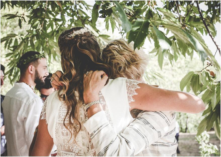 La mère de la mariée : comment choisir sa robe pour assister au mariage en 5 étapes
